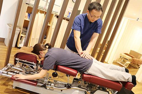 トムソンベッド(腰痛全般に特化したベッド)による治療